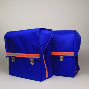 kundschafter®schulranzen in blau: schöne, schlichte und mit unter 800 g v.a. sehr leichte Schulranzen handmade in berlin.