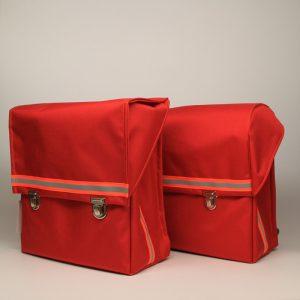 kundschafter®schulranzen in rot: schöne, schlichte und mit unter 800 g v.a. sehr leichte Schulranzen handmade in berlin.